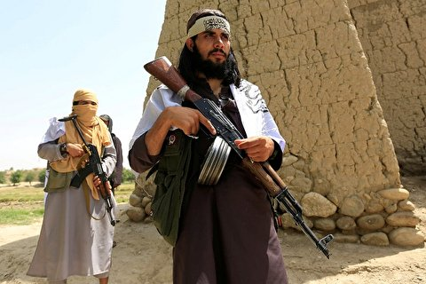 فیلم| رقص و ذوق زدگی عضو طالبان برای استاندار شدن!